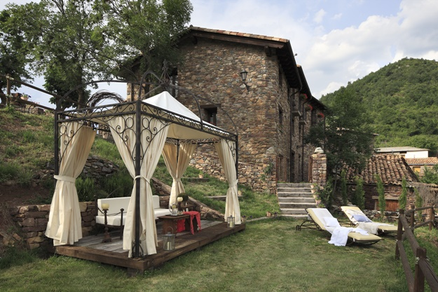 Pyrenees Travels: Casa Muria Garden