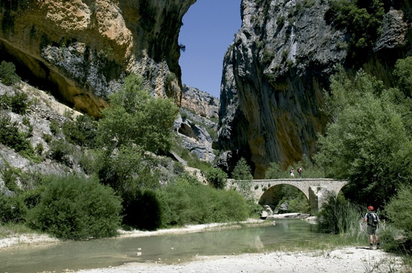 Pyrenees Travels: crossing a bridge in Guara Park