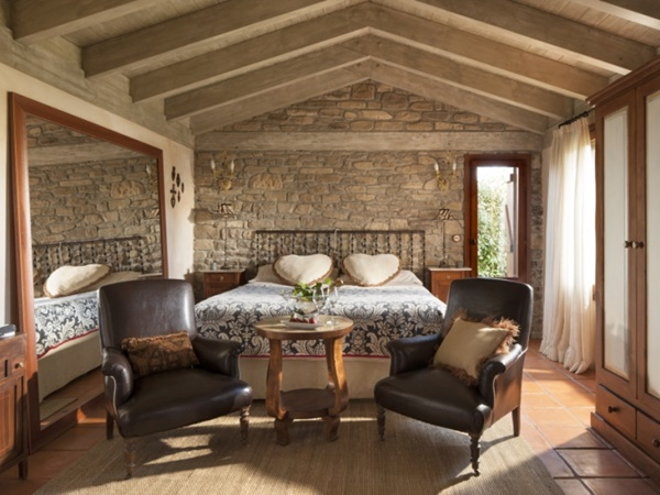 Pyrenees Travels: Casa Barosse room